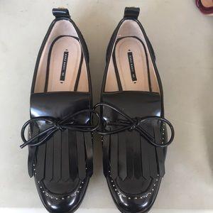 Zara tassel flat loafer w/ pearl detail